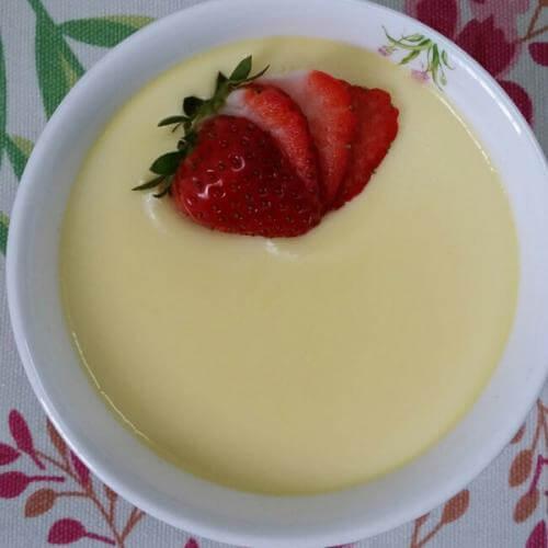 草莓蛋奶布丁