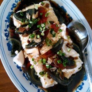 皮蛋芝麻拌豆腐