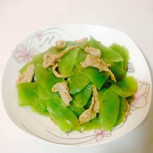 莴笋片炒肉
