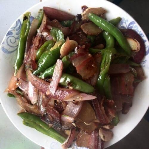 青椒洋葱炒腊肉