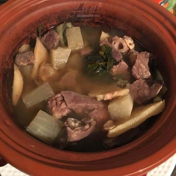 猪肺菜干蜜枣汤
