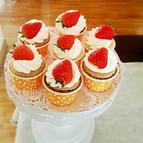 草莓纸杯虎蛋糕