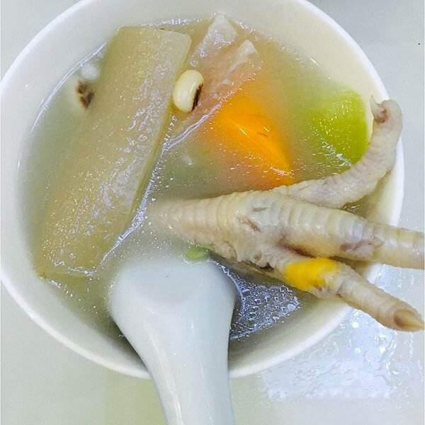 黄豆鸡脚汤