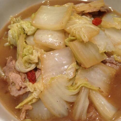 白菜肉片炖豆腐