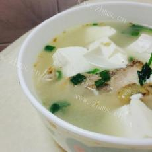 鱼头鱼尾豆腐汤