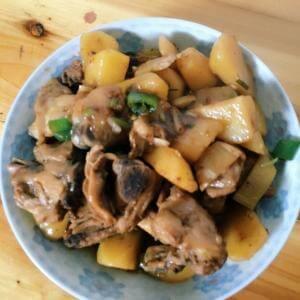 鸡腿焖土豆