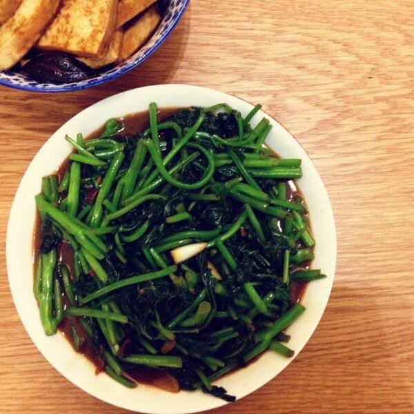 腐乳炒番薯叶