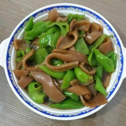 辣椒炒肉皮
