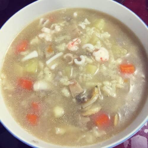 香菇海鲜疙瘩汤