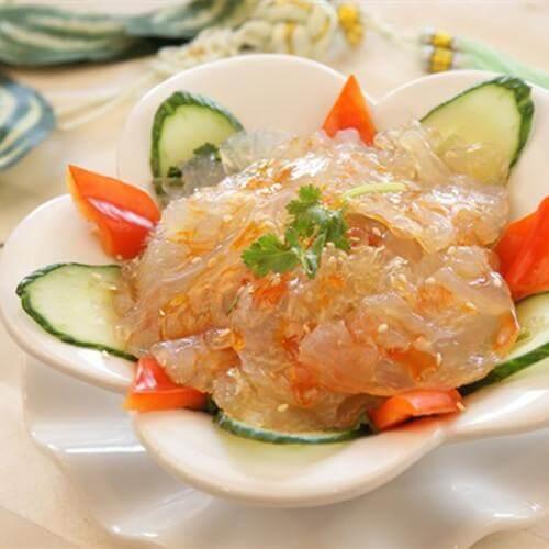 萝卜丝拌海蜇皮