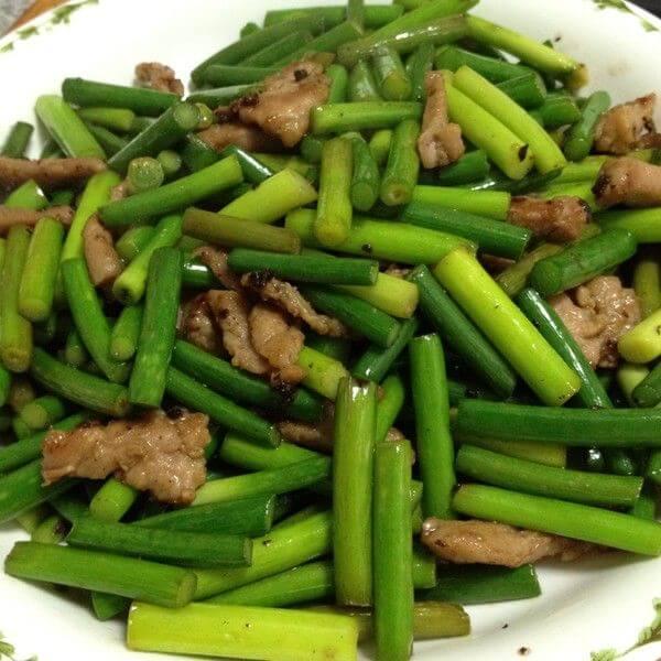 蒜苔炒猪肉