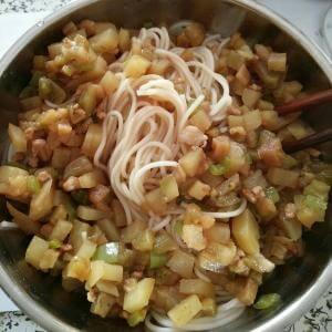 茄子土豆打卤面