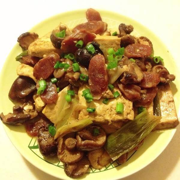 腊肠炒豆腐