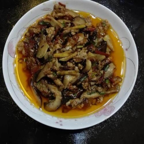 肉末炒蘑菇