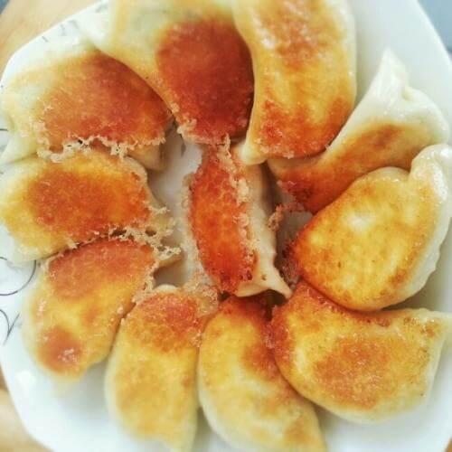 常吃不腻的冰花煎饺