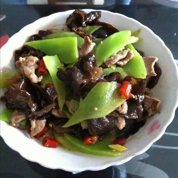 肉片青椒炒木耳