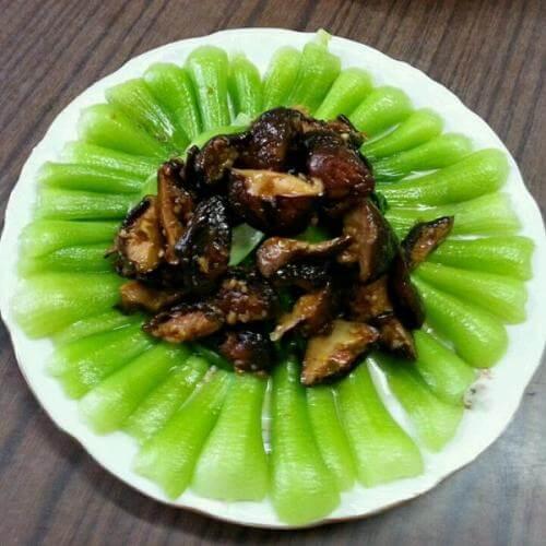好吃的香菇炒油菜