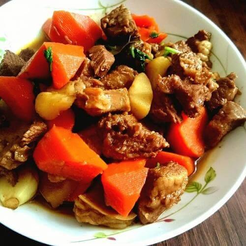 羊肉烧萝卜