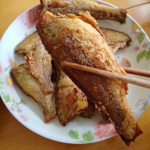 炸小白鲢鱼
