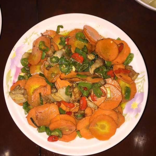 胡萝卜炒荸荠