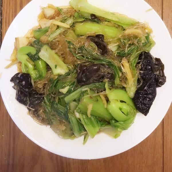 木耳小白菜