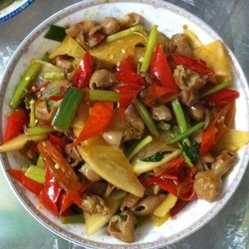 酸菜胡椒炒肥肠