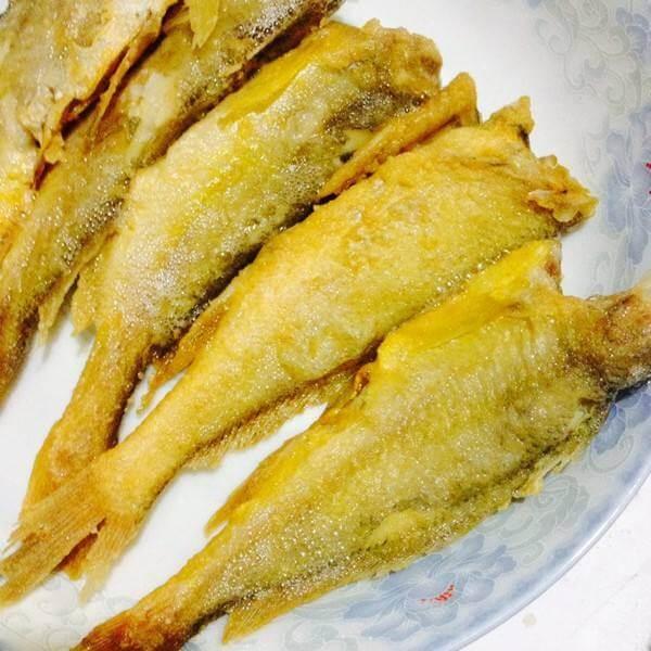 油煎小黄鱼