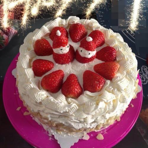 草莓奶油生日蛋糕