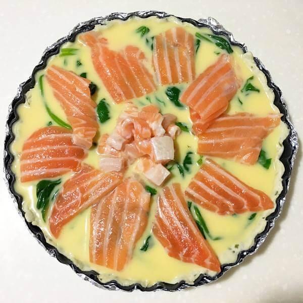 菠菜三文鱼芥末堆