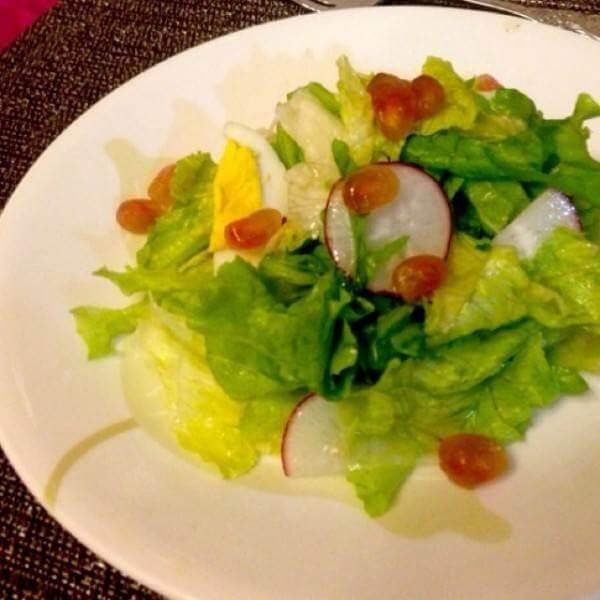 石榴鹌鹑蛋鲜虾沙拉
