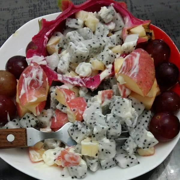 火龙果橄榄奶酪沙拉