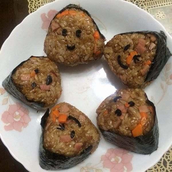 鸭肝茶饭团