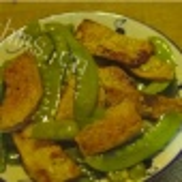荷兰豆炒鱼饼