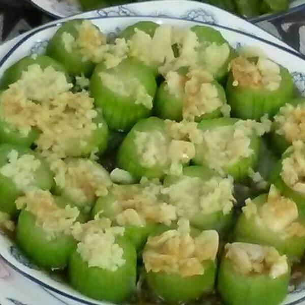 蒜茸粉丝蒸丝瓜