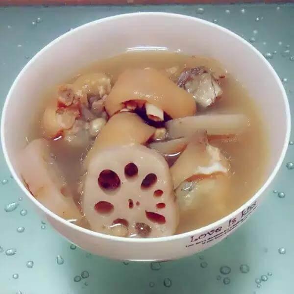 花生莲藕猪手汤