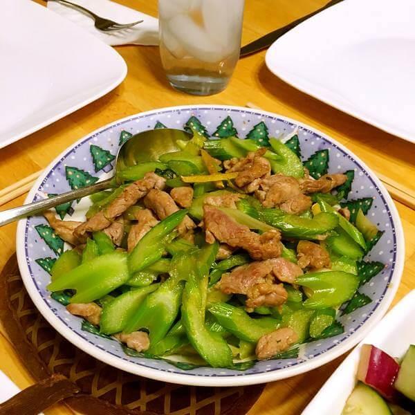 蚕豆炒肉丝