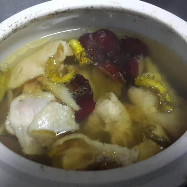西洋参石斛瘦肉汤