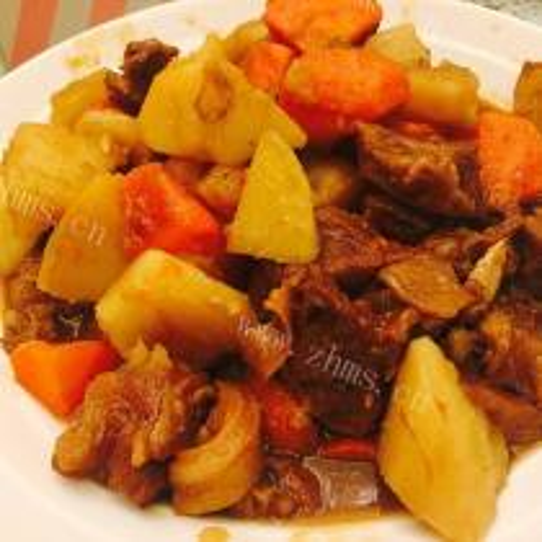 土豆胡萝卜烧牛腩
