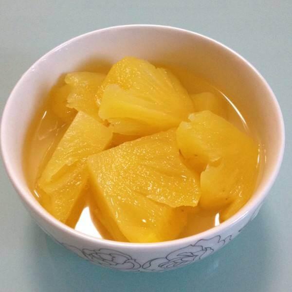 一个菠萝.三种冰品