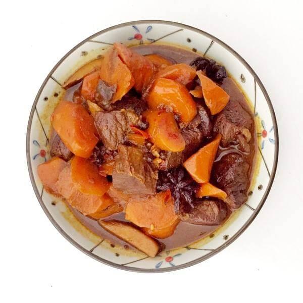 胡萝卜炒牛腩
