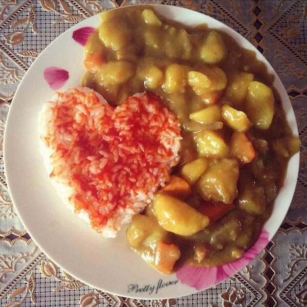 爱心咖喱饺汤煲