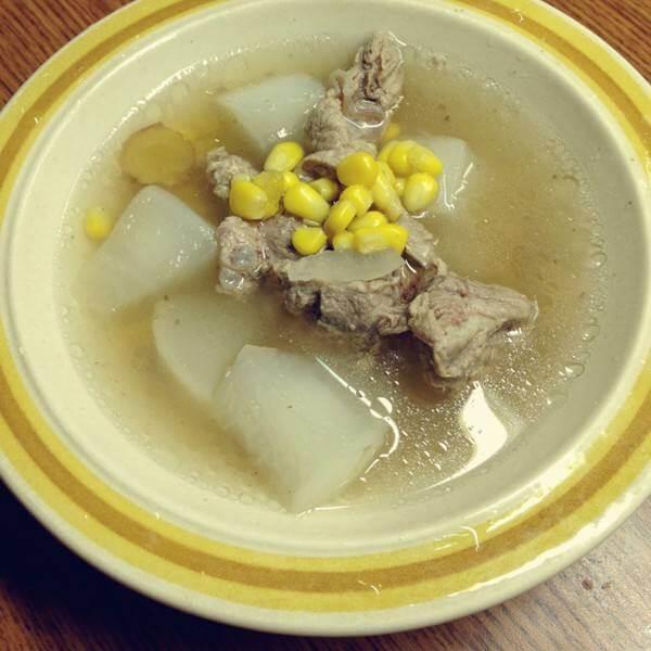 排骨萝卜粉丝汤