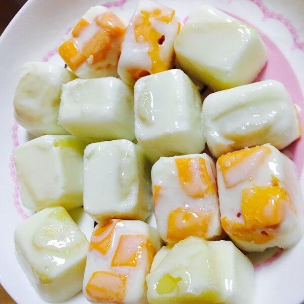 菠萝粒酸奶水果盖包菜