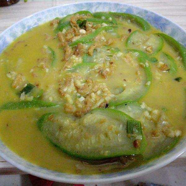 海米云耳丝瓜汤