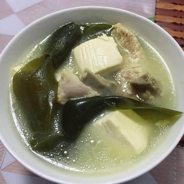 蹄髈海带汤