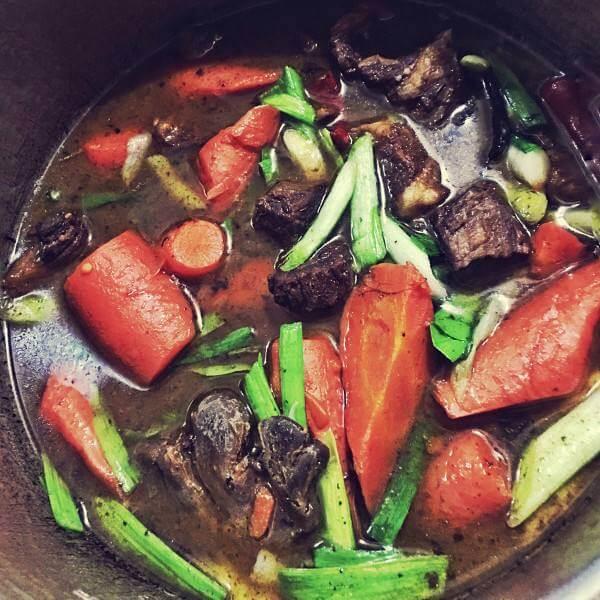 胡萝卜香菇炖牛肉