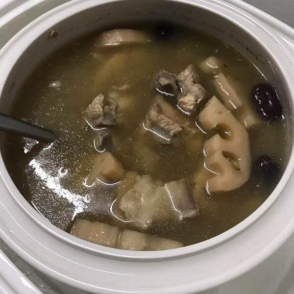 清热消暑的莲藕绿豆汤