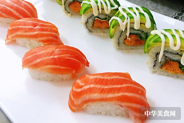 寿司加盟费连锁多少钱