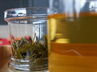 嫩绿茶廊饮品图2