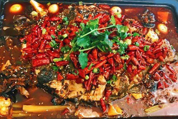 芳沁百味焖锅烤鱼加盟支持有哪些